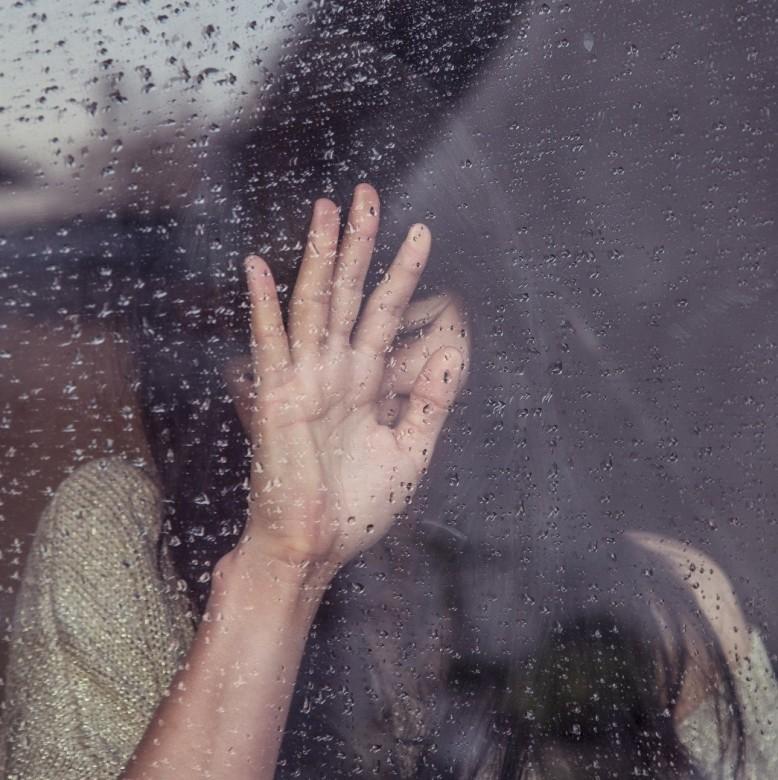 Claire in Windown
